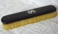 clothes-brush